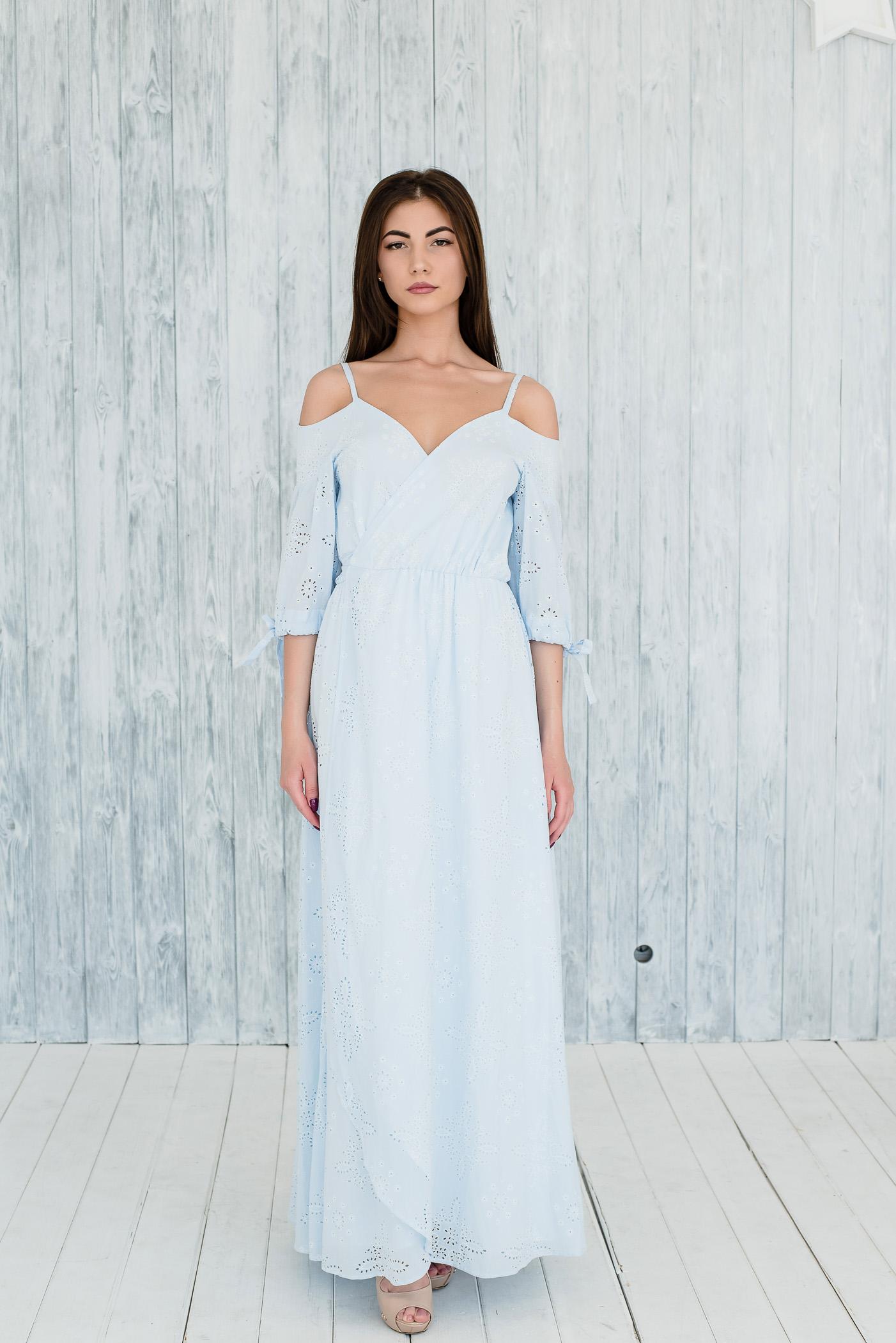 голубое платье бриз вид спереди